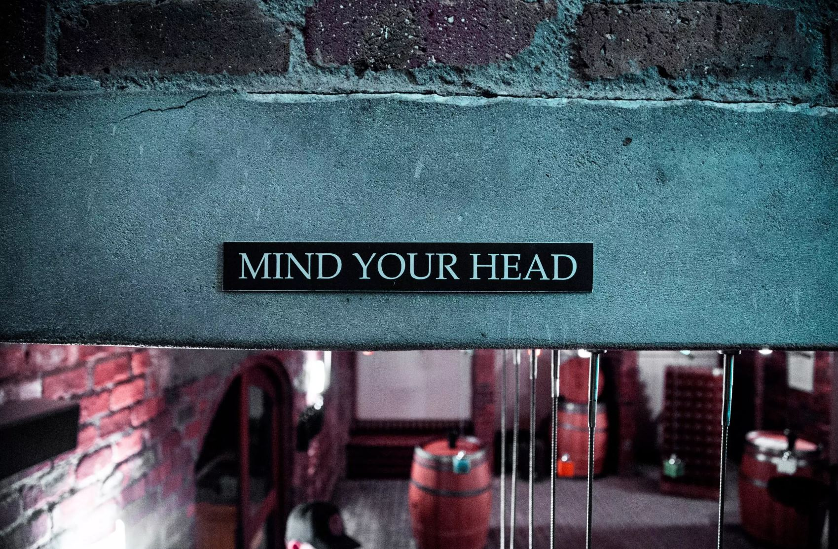 Mind your head message